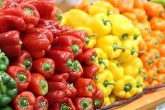Groene paprika's bij Markt Royalty-vrije Stock Foto's