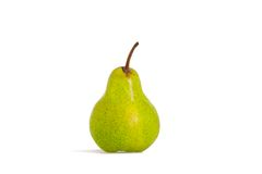 Groene peer die op een wit wordt geïsoleerdo Stock Foto