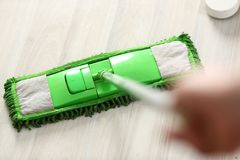 Groene plastic zwabber Stock Fotografie