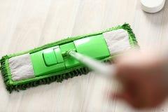 Groene plastic zwabber Royalty-vrije Stock Afbeeldingen