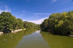 Groene rivier royalty-vrije stock foto's