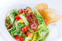 Groene salade met bacon Stock Foto