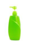 Groene shampoofles met pomp Stock Foto's