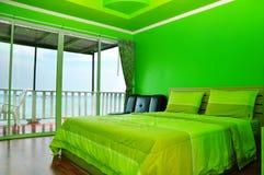 Groene slaapkamer Stock Foto's