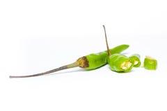 Groene Spaanse pepers op een witte achtergrond Stock Fotografie