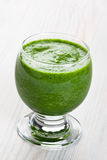 Groene spinazie smoothie Royalty-vrije Stock Fotografie