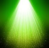 Groene sterren en stralen als achtergrond Vector Illustratie