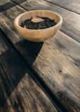 Groene thee met stukken van fruit Stock Foto