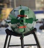 Groene torpedostaart op een tribune royalty-vrije stock afbeeldingen