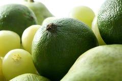 Groene vruchten die op wit worden geïsoleerdw Royalty-vrije Stock Foto's