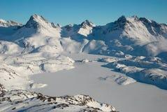 Groenlandia, moutains y masa de hielo flotante de hielo Imagen de archivo