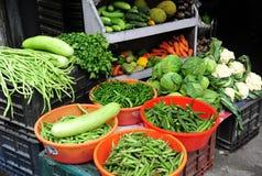 Groente en Fruit in de traditiewinkel Royalty-vrije Stock Afbeeldingen