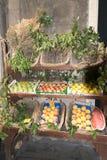 Groentehandelaar in Genua royalty-vrije stock afbeeldingen