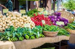 Groenten bij de Markt van Landbouwers Stock Afbeeldingen