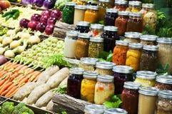 Groenten en ingeblikte goederen Royalty-vrije Stock Afbeelding