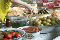 Groenten in het zuur bij markt Stock Afbeeldingen