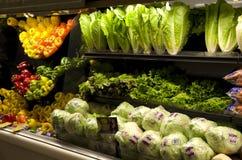 Groenten in kruidenierswinkelopslag stock foto