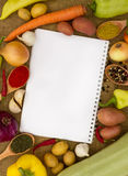 Groenten met notitieboekje Royalty-vrije Stock Afbeelding