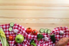 Groenten op de houten lijst Stock Foto