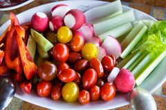 Groenten op een plaat Plantaardige schotel Stock Afbeelding