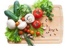 Groenten op houten achtergrond Stock Afbeeldingen