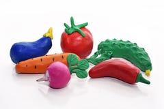 Groenten van plasticine worden gemaakt die Royalty-vrije Stock Afbeelding