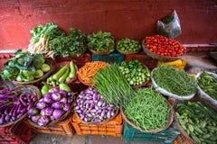 Groenten voor verkoop op de straat, India azië stock afbeelding