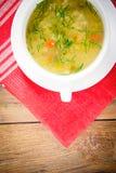 groentesoep in een witte plaat Royalty-vrije Stock Foto's