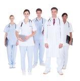 Groep artsen en verpleegsters royalty-vrije stock afbeeldingen