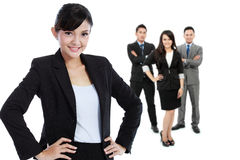 Groep Aziatische jonge businessperson, vrouw als stan teamleider Royalty-vrije Stock Foto's