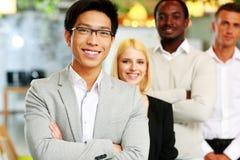 Groep bedrijfsmensen in het bureau Royalty-vrije Stock Foto
