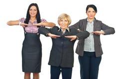 Groep bedrijfsvrouwen die geschiktheid doen stock fotografie