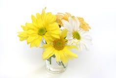 Groep bloemen in een glasvaas Stock Afbeeldingen