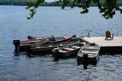 Groep boten bij dok Royalty-vrije Stock Afbeelding
