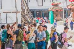 Groep Buitenlandse Toeristen, Reizigers bij het Vierkant van Katmandu Durbar stock foto