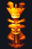 Groep de gestapelde Lantaarns van Halloween Jack o met zwarte achtergrond royalty-vrije stock fotografie