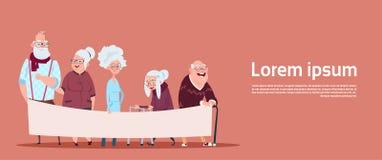 Groep de Hogere Lege Banner van de Mensenholding met van de Exemplaar Ruimte Moderne Grootvader en Grootmoeder Volledige Lengte vector illustratie