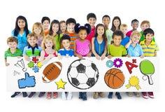 Groep de Raad van de Kinderenholding stock afbeeldingen