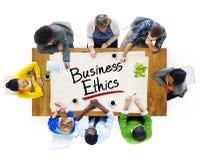 Groep die Mensen over Bedrijfsethiek bespreken stock afbeelding