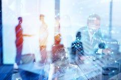 Groep die partner de toekomst zoeken Concept collectief en opstarten stock afbeeldingen