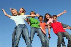 Groep diverse jonge geitjeskinderen Stock Fotografie