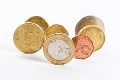 Groep Euro Muntstukken die Standout bevinden zich Één Euro Front Collection Stock Fotografie