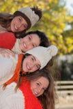Groep gelukkige de herfstjonge geitjes royalty-vrije stock afbeelding