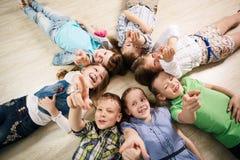Groep gelukkige jonge geitjes Stock Afbeelding