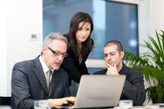 Groep het bedrijfsmensen bespreken Stock Foto