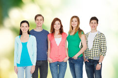 Groep het glimlachen studenten status Stock Afbeelding