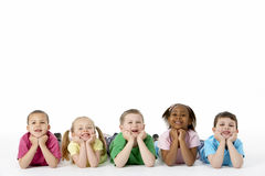 Groep Jonge Kinderen in Studio Stock Afbeelding