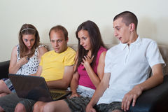 Groep jonge mensen die pret hebben Stock Foto's