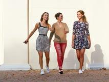 Groep jonge vrouwen vrije tijd freetime royalty-vrije stock afbeeldingen