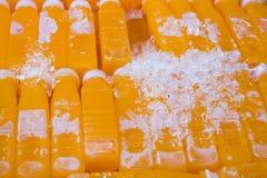 Groep jus d'orangefles stock foto's